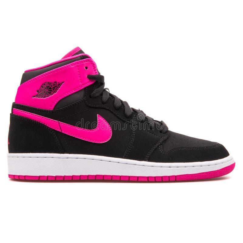Nike Jordan 1 alta zapatilla de deporte retra del negro del GG, blanca y rosada foto de archivo
