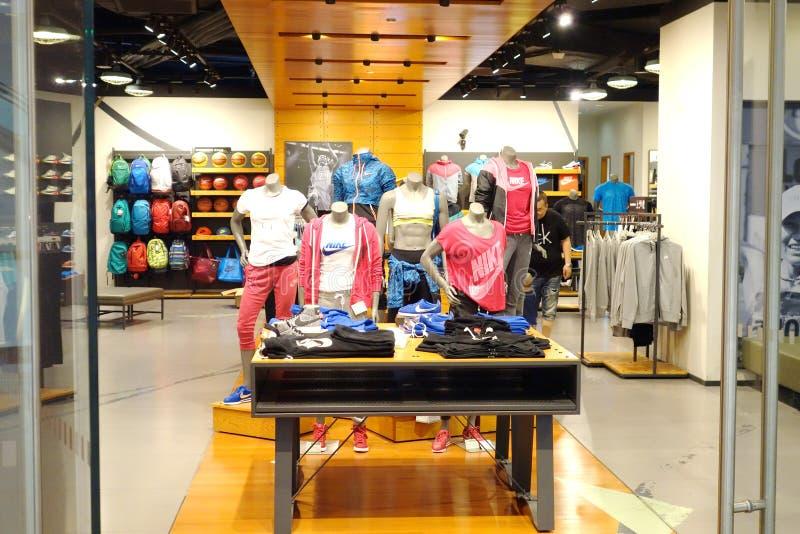 Nike shoppar arkivfoton