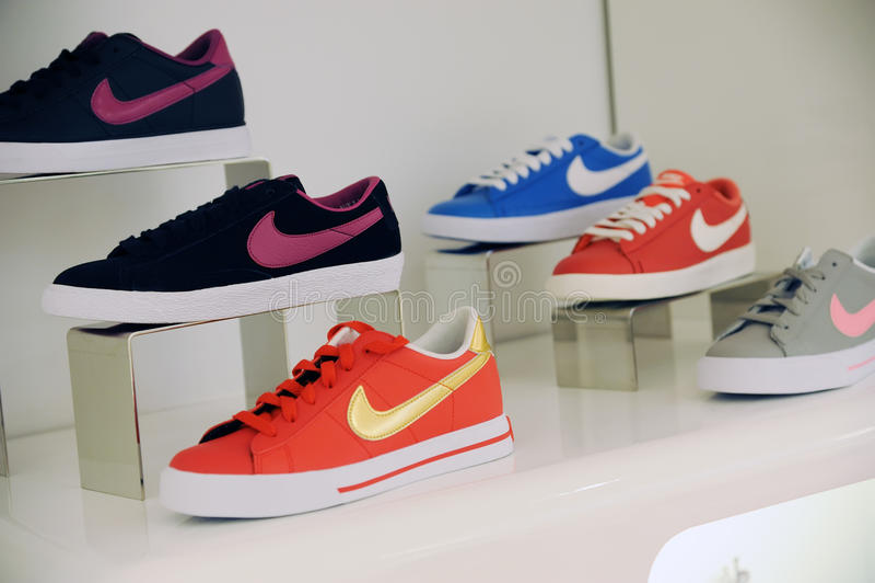 Nike skor royaltyfri bild