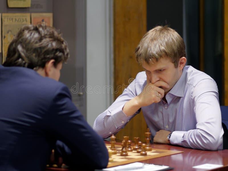 Nikita Vitiugov i toppen-finaler av den ryska schackmästerskapet royaltyfri bild
