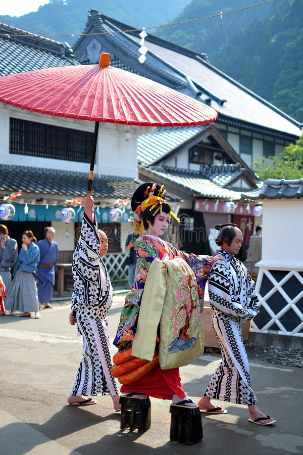 NIKKO, JAPANNIKKO, ΙΑΠΩΝΊΑ - 26 Ιουλίου 2015: Παρέλαση γκείσων σε Edo W στοκ φωτογραφία με δικαίωμα ελεύθερης χρήσης