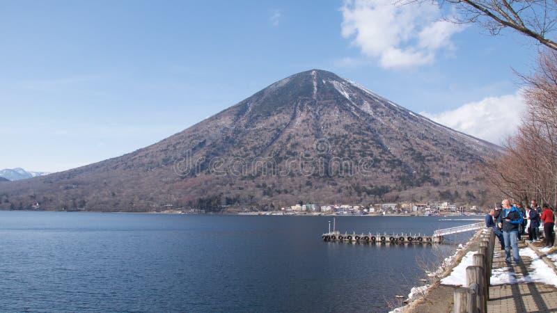 Nikko Japonia, Maj, - 2017: Odwiedzać Jeziornego Chuzenji Nantai w Nikko parku narodowym i Mt, Japonia zdjęcia stock