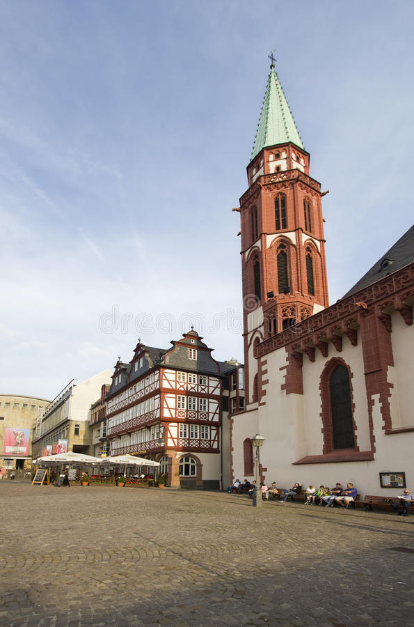 Download Nikolai Church i Frankfurt redaktionell arkivbild. Bild av marknad - 37348012