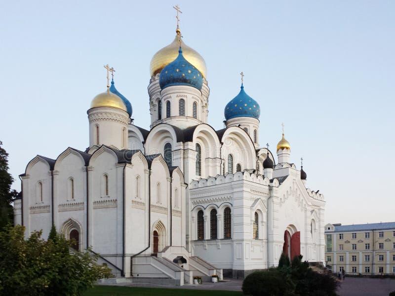 Nikolo Ugreshsky kloster betyder den grundade domkyrkafabriken 1824 yakovlev för transfiguration för stenen för nevyanskägare pya royaltyfri fotografi