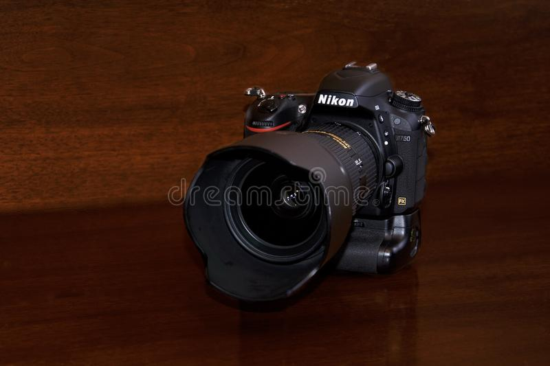 Nikon D750 med MB16 royaltyfria bilder