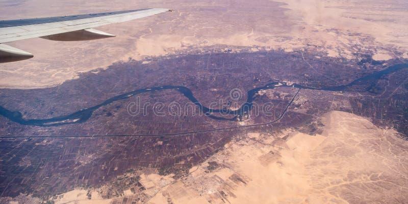 Nile River Valley från ett flygplan royaltyfri foto