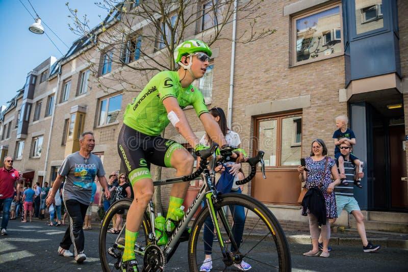Nimègue, Pays-Bas le 8 mai 2016 ; Cycliste professionnel de Davide Formolo pendant le transfert photographie stock