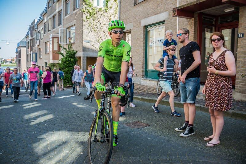 Nimega, 8 de mayo de 2016 holandés; Ciclista profesional de Davide Formolo durante transferencia del autobús al comienzo imagenes de archivo
