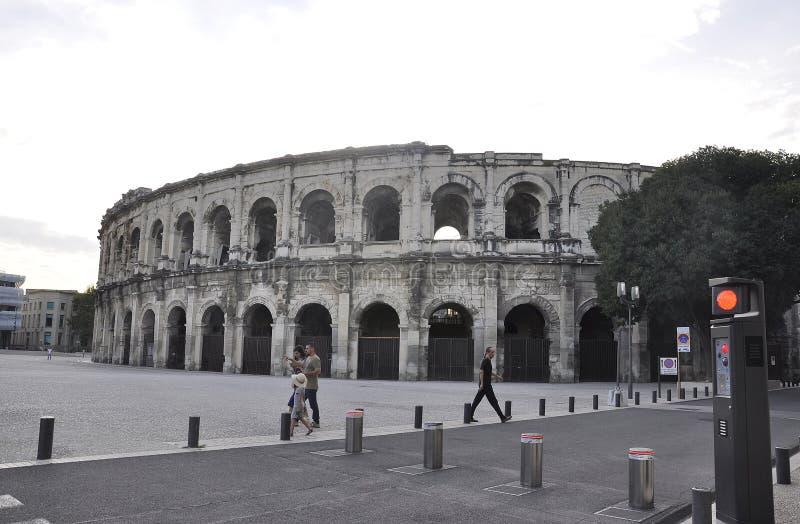 Nimes, 9 de setembro: O antigo edifício romano Les Arenes para os combates de Gladiator e caçadores de animais de Nimes, na Franç foto de stock