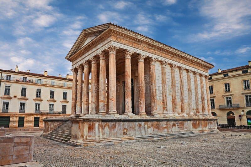 Nimes Frankrike: Roman Temple Maison Carree byggde c 19 F. KR. royaltyfri fotografi