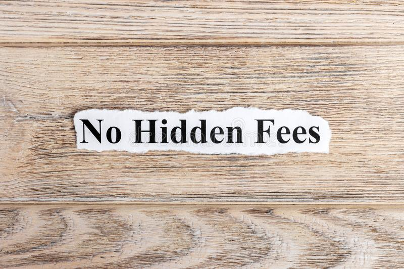 Ningún texto ocultado de las tarifas en el papel No redacte ninguna tarifa ocultada en el papel rasgado Imagen del concepto foto de archivo libre de regalías