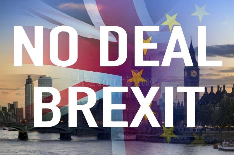 Ninguna imagen conceptual del trato BREXIT del texto sobre la imagen de Londres y de las banderas de Reino Unido y de la UE que s foto de archivo libre de regalías