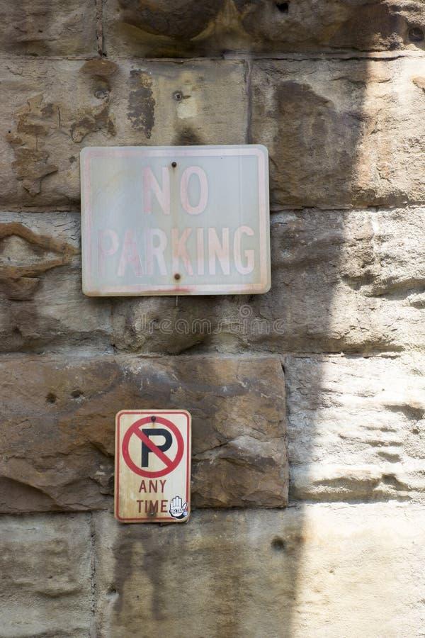 Ningunas muestras del estacionamiento imagen de archivo