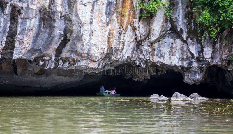 Download Ninh Binh fotografering för bildbyråer. Bild av park - 27281125