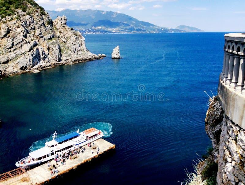 Ninho das andorinhas no Yalta fotografia de stock