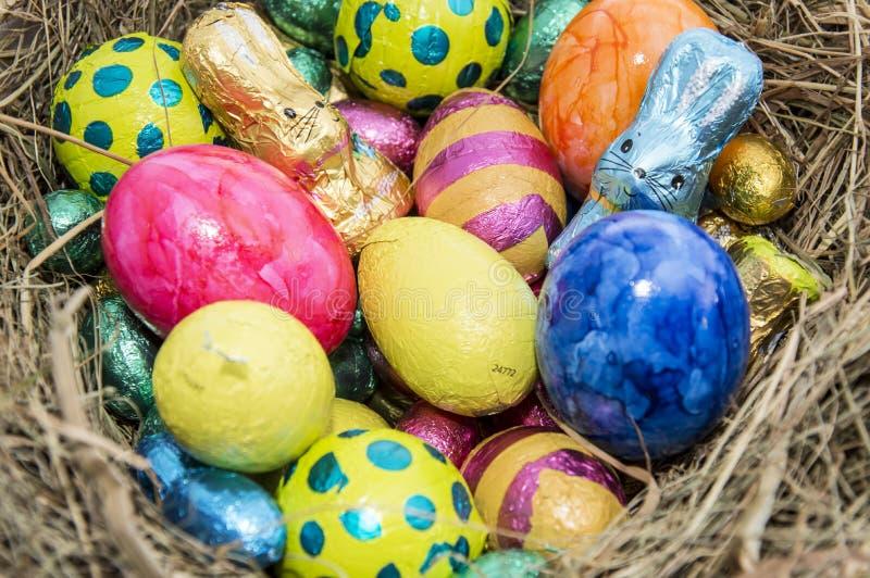 Download Ninho De Easter Com Doces Do Chocolate Foto de Stock - Imagem de celebration, chocolate: 29841806