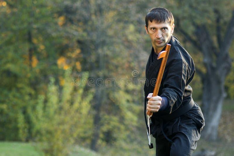 Ninja med kusarigama royaltyfria foton