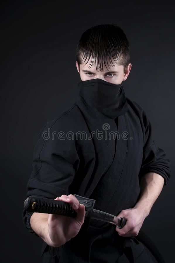Ninja - spion, saboteur, stealthmördare av feodala Japan. royaltyfri foto