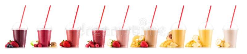 Nio smaker av smoothien i plast- kopp royaltyfria foton