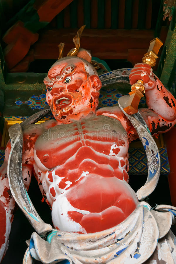 NIO am Tor von Schrein Nikko Toshogu in Japan stockfoto