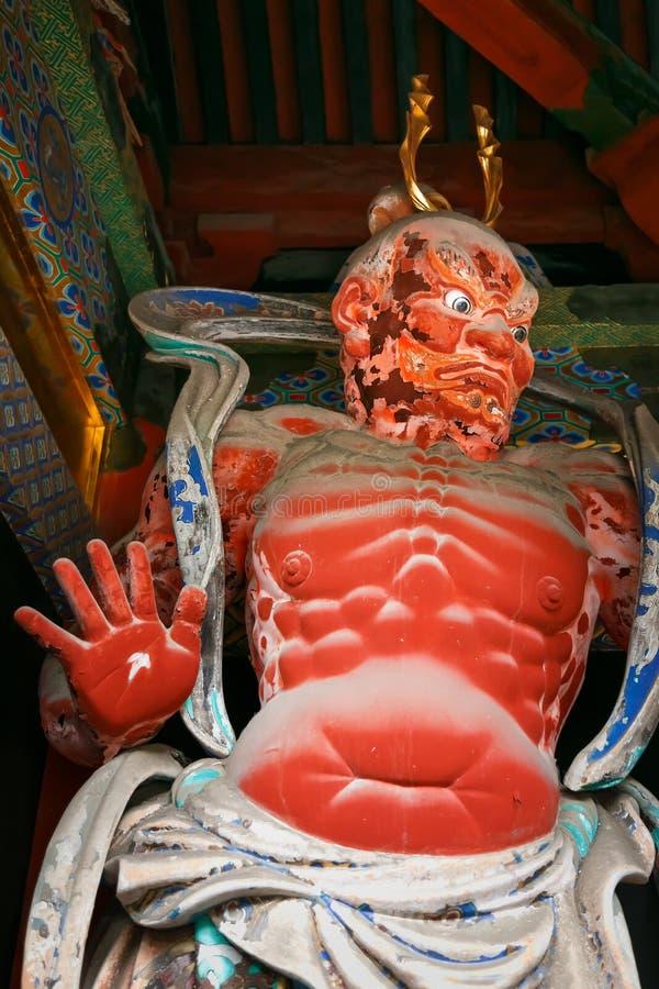 NIO am Tor von Schrein Nikko Toshogu in Japan stockbild
