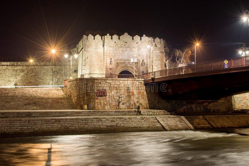 Nis堡垒在黑暗的 免版税库存照片