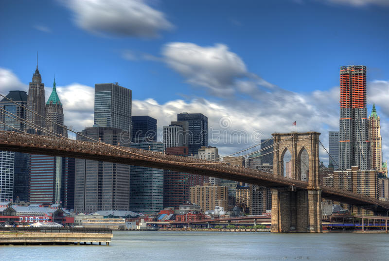 niska Brooklyn bridżowa linia horyzontu Manhattan obrazy royalty free
