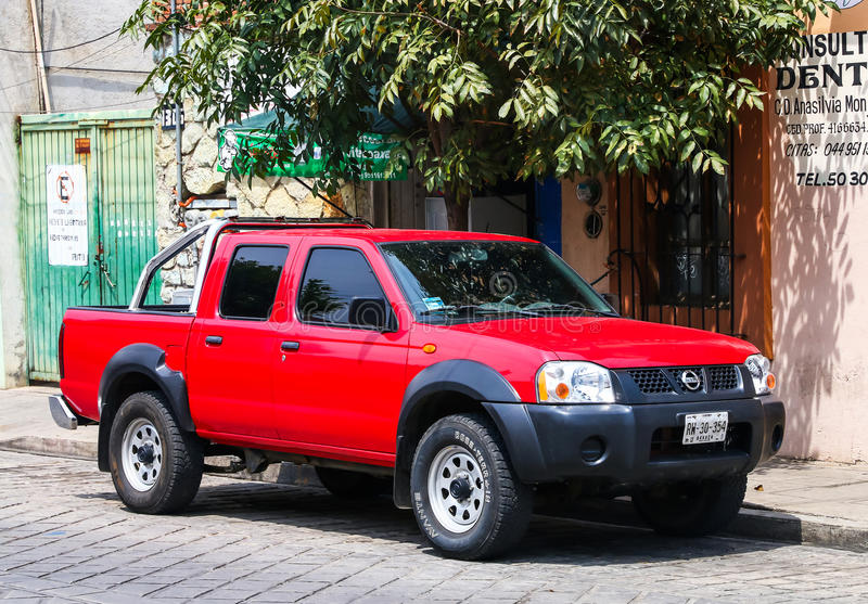 Nissan Frontier photos stock