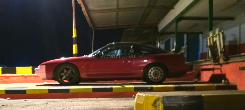 Nissan 200sx s13 w nocy obrazy royalty free