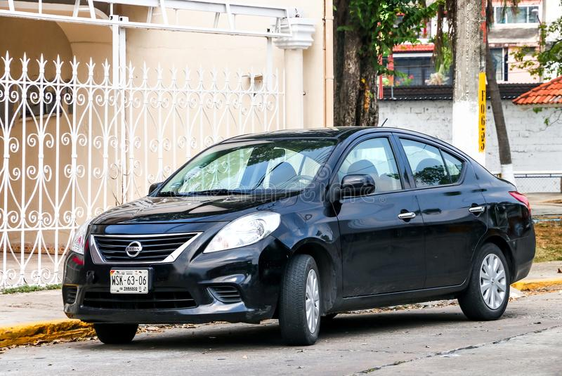 Nissan Versa royaltyfri fotografi