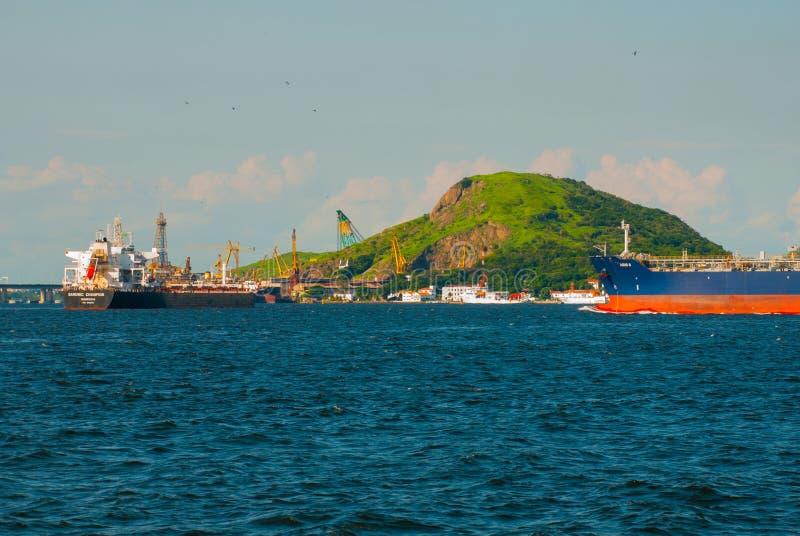 Niteroi, Brasilien: Schöne Ansicht der Niteroi-Fähre lizenzfreie stockfotografie