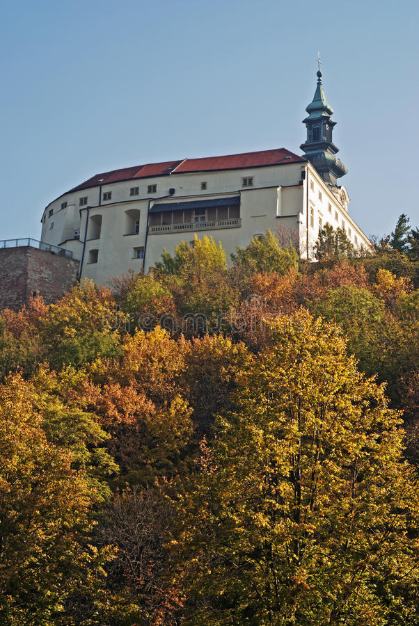 Nitra Schloss im Herbst, Slowakei lizenzfreie stockfotografie