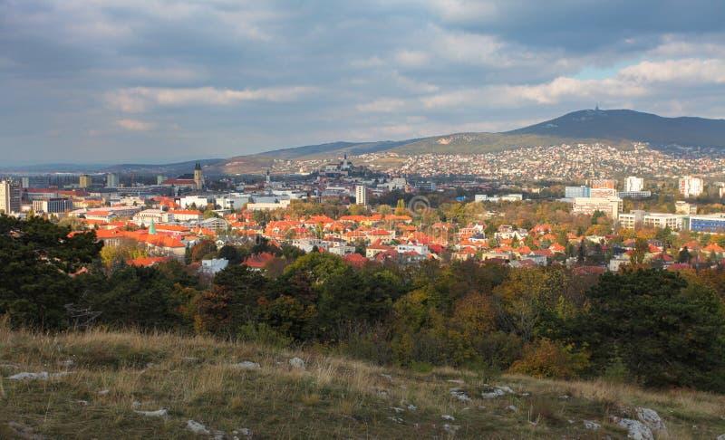 Nitra skyline, Slowakije stock foto
