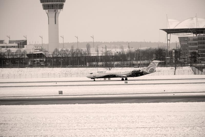 Nivå i den Munich flygplatsen, vinter arkivfoto