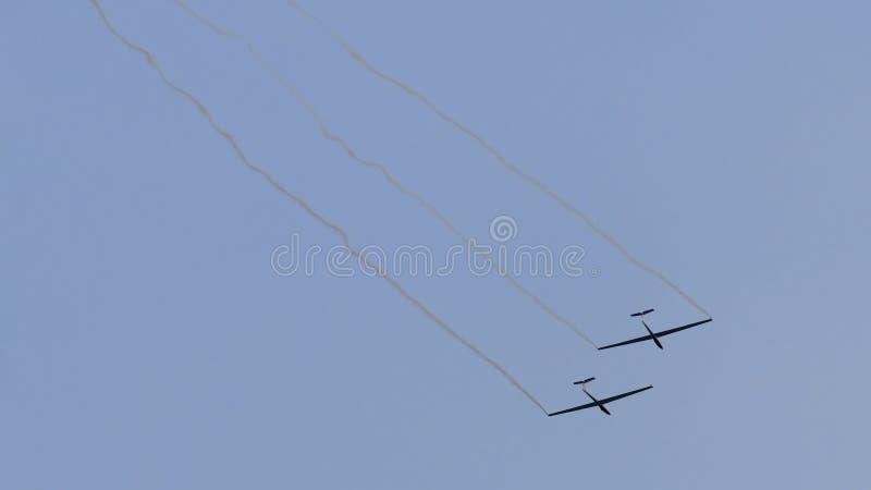 Nivåer på airshow royaltyfri foto