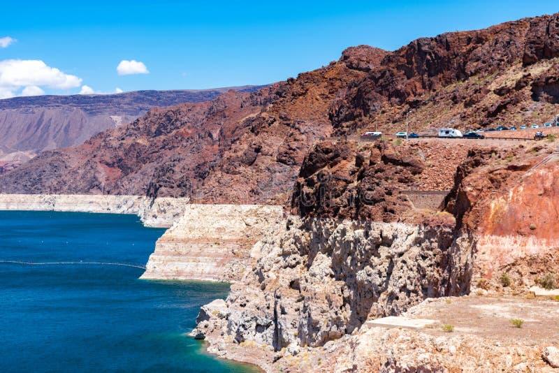 Niveau d'eau de recul chez le Lake Mead images libres de droits