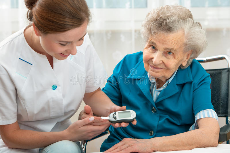 Niveau de mesure de glucose sanguin images libres de droits