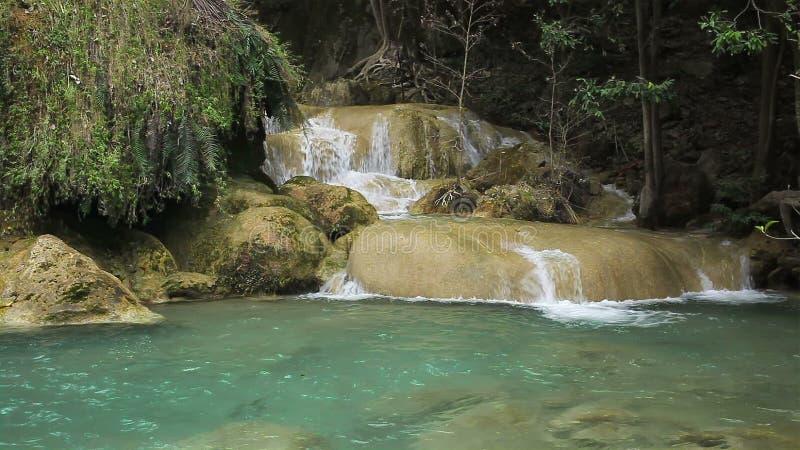 Niveau 7, Nationaal Park, Kanchanaburi Thailand van Erawan van watervalnamen stock video