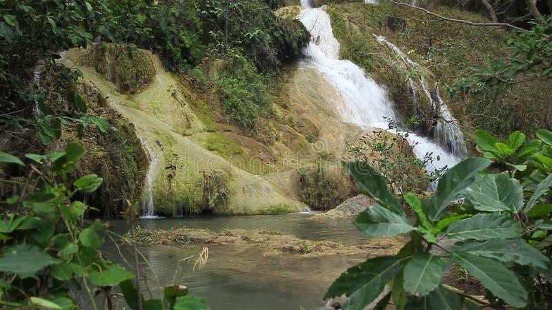 Niveau 7, Nationaal Park, Kanchanaburi Thailand van Erawan van watervalnamen stock videobeelden
