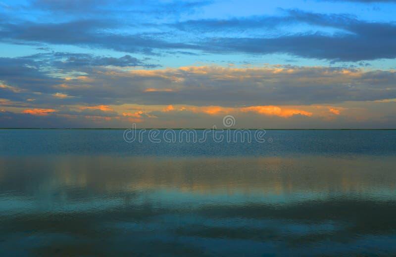 Nivelando a cena no mar de Azov fotografia de stock royalty free