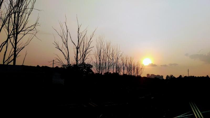 Nivelando o por do sol do passeio em bangalore imagens de stock