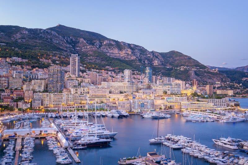 Nivelando o porto de Mônaco da vista fotografia de stock