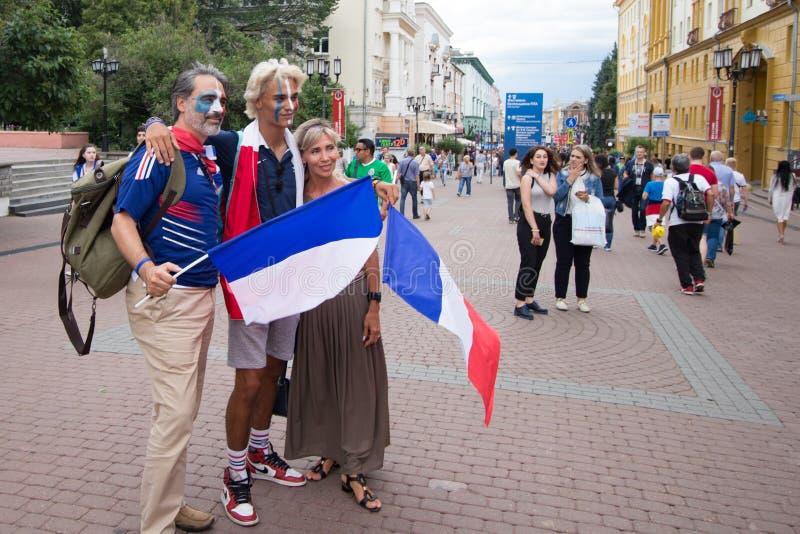 Nizhniy Novgorod, Ρωσία - 6 Ιουλίου 2018: ανεμιστήρες Γαλλία πριν από την αντιστοιχία Ουρουγουάη - Γαλλία Παγκόσμιο Κύπελλο 2018 στοκ εικόνα με δικαίωμα ελεύθερης χρήσης