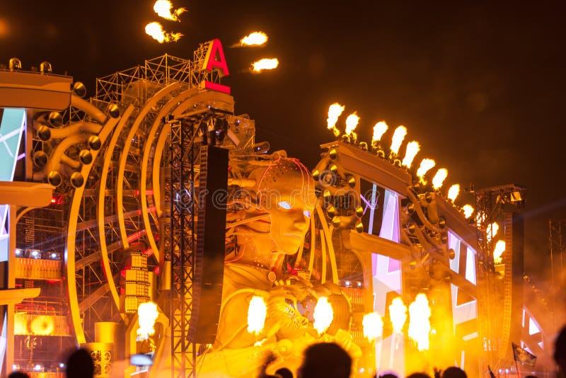 Nizhniy Novgorod, Rusia - 24 de julio de 2016: festival de música electrónica - AFP foto de archivo