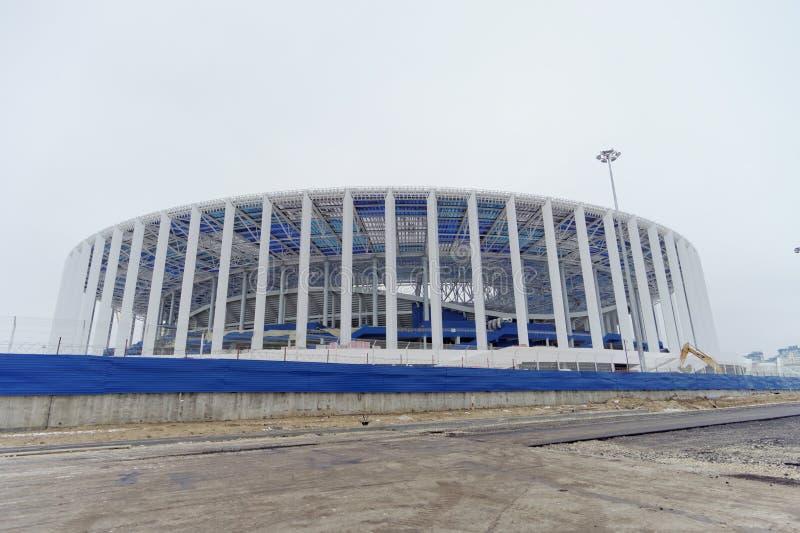 Nizhny Novgorod, Rússia - 1º de dezembro 2017 Construção do estádio em Nizhny Novgorod ao campeonato do mundo 2018 de FIFA foto de stock