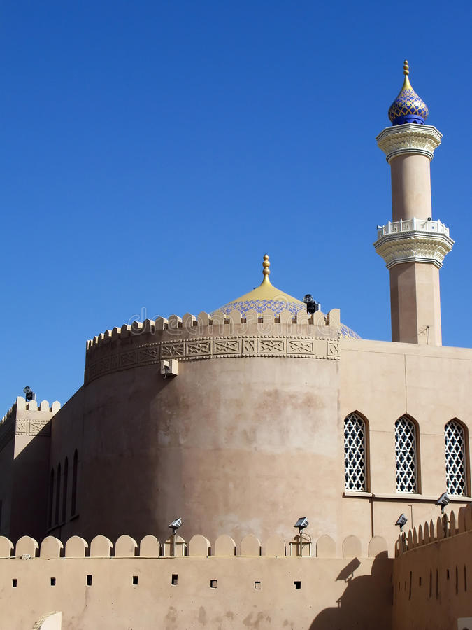 Nizwa Fort in Oman stockbild