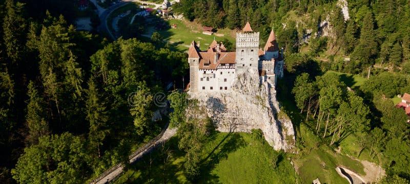 Nizza Kleie-Schloss-Rumänien-Brummenansicht ein Wetter lizenzfreies stockbild