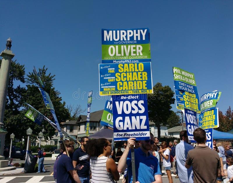 NJ-demokrater på gatamässan för arbets- dag, Rutherford, NJ, USA royaltyfri bild