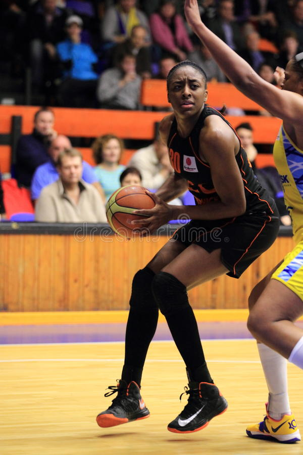 Download Nnemkadi Ogwumike - Koszykówka Obraz Editorial - Obraz złożonej z sport, prague: 28957500
