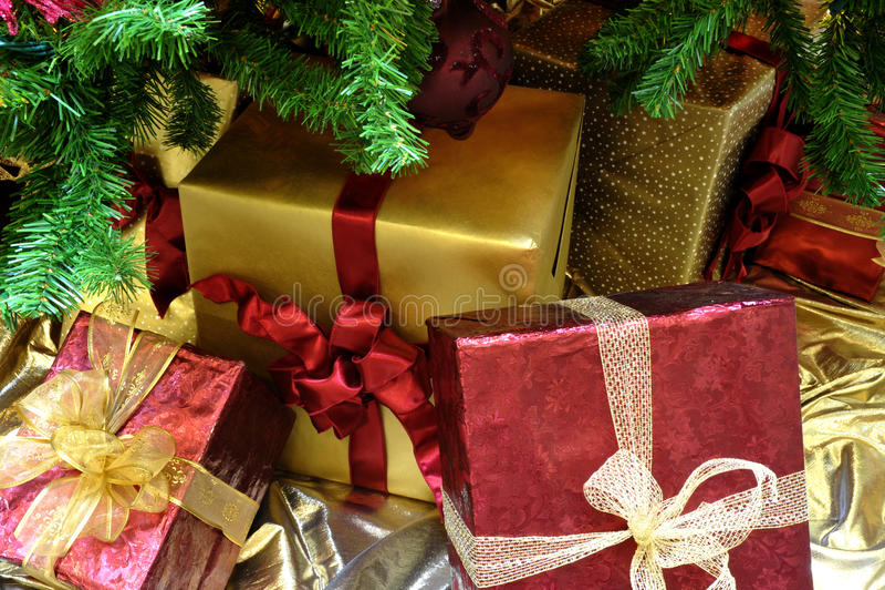 Noël Gifrts sous l'arbre photos libres de droits